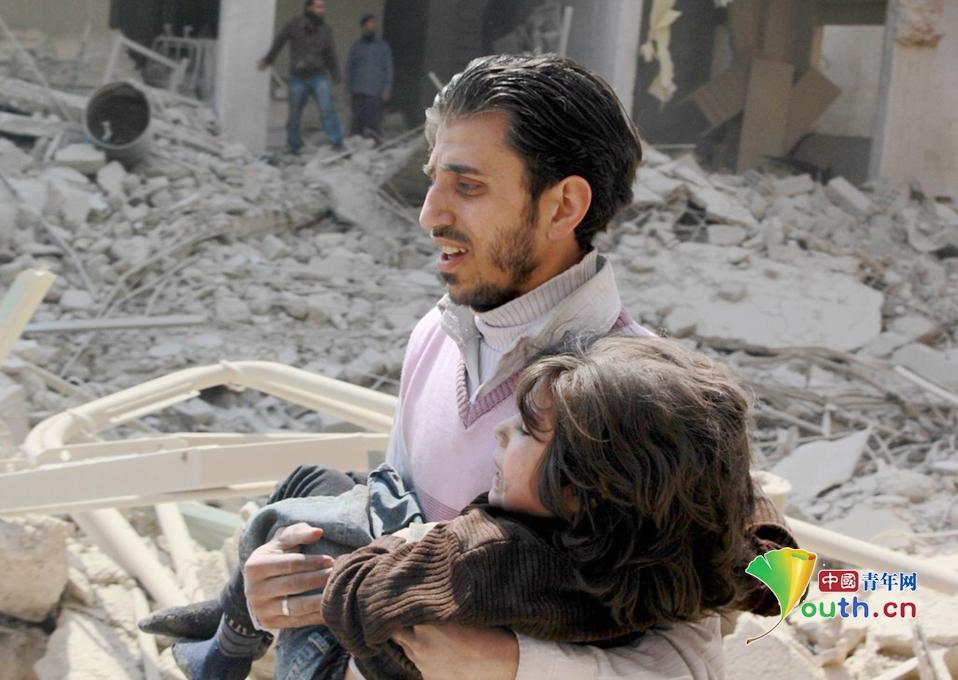 死亡20人_叙利亚政府军真空弹袭击大马士革致20人死亡